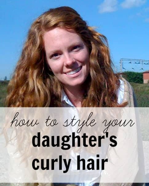If your child has curly hair and you don't know what to do with it, read these 4 tips to style your daughters curly hair