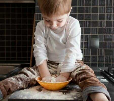 How to Cook with Preschoolers and Not Regret It