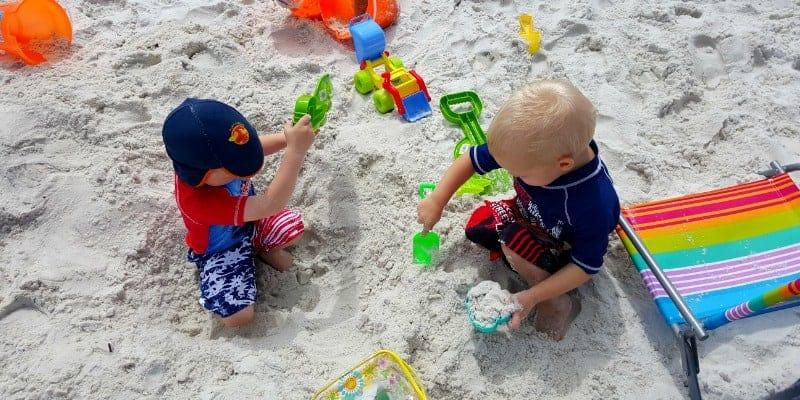 hats beach tips