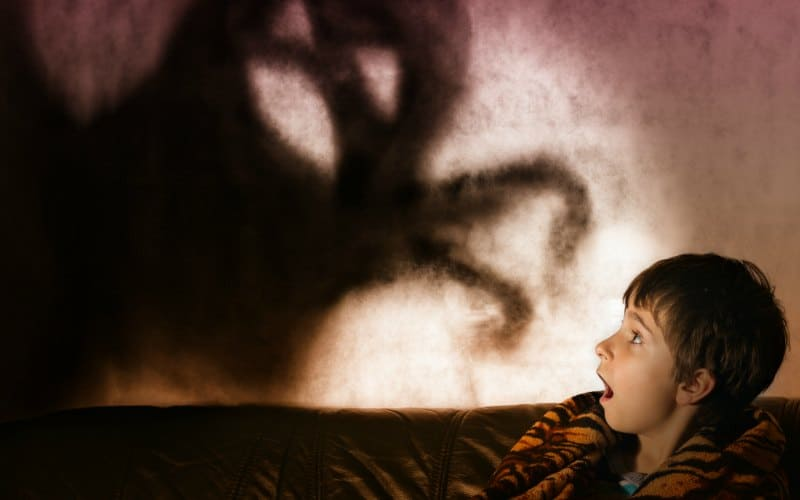 toddler scared of dark at bedtime