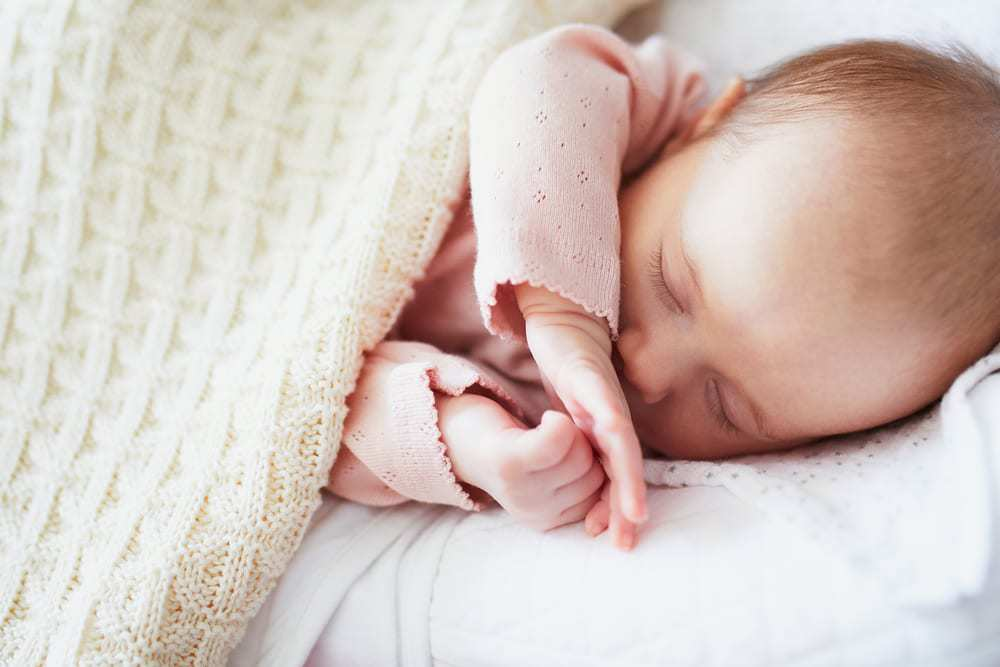 How to Encourage Sleeping In and Longer Naps for Babies